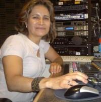 Yesenia Larios, operador-locutora (2)