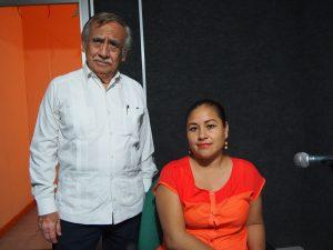 Doctor Hernán Betanzos Cano y la nutrióloga Gabriela Velázquez López de la Jurisdicción Sanitaria número VII de Tapachula, Chiapas