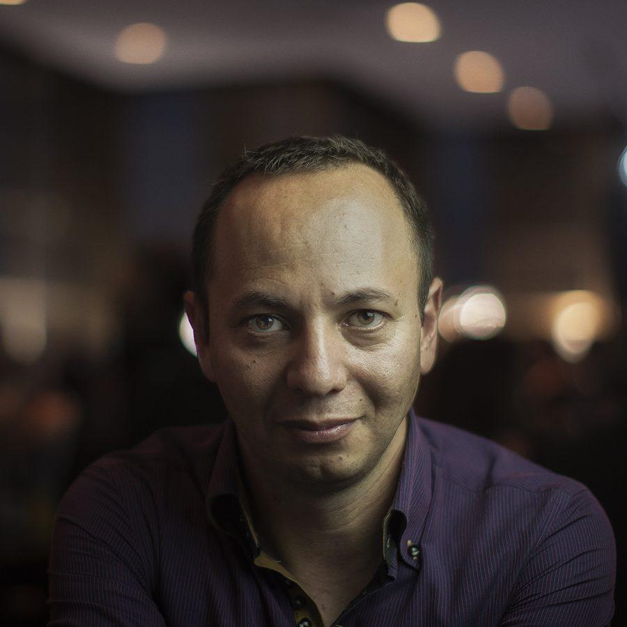 Roberto Fiesco_perfil