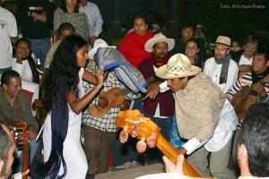 """Bailando """"El Toro"""" en el Fandango."""