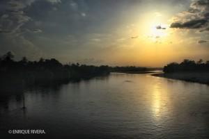 Atardecer en el río Tesechoacan, Playa Vicente, Veracruz.