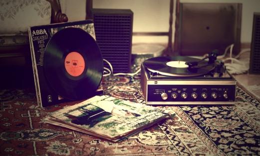 music-retro-player-carpet-lp-Favim.com-482477